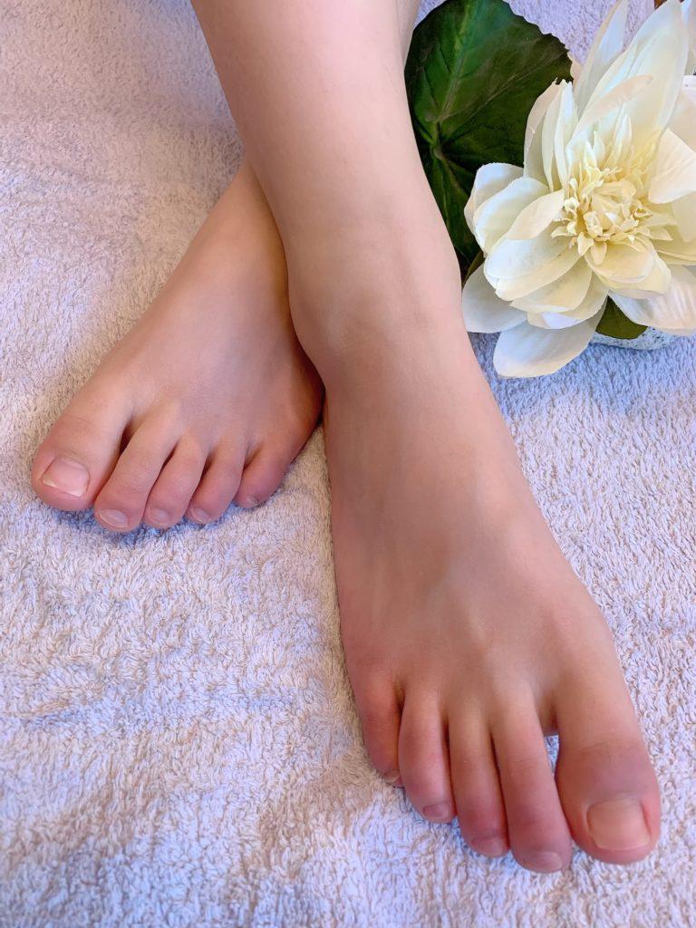 Die professionnelle Fußpflege sorgt für schöne Zehennägel&Füße